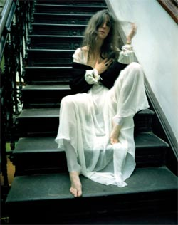 Patti Smith: Patti on the stairs