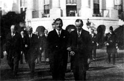 El General: Calles with Coolidge at the White House