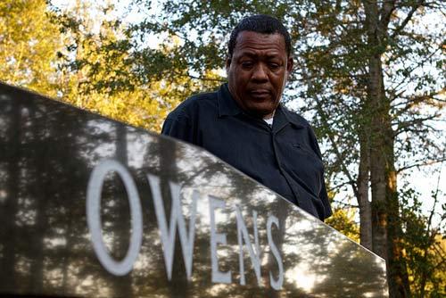 Owens' grave